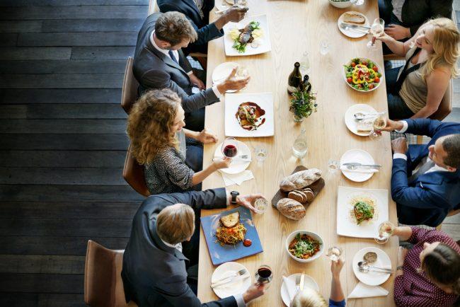 Tischmanieren Geschäftsessen Knigge