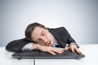 Sekundenschlaf: Was gegen Müdigkeit am Steuer hilft