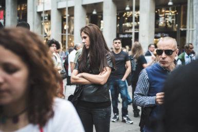 Bystander-Effekt: Nichts hören, nichts sehen, nichts tun