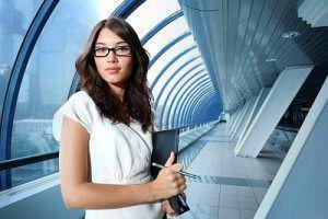 Berufseinstieg nach der Uni: Vorbereitungstipps für Studenten