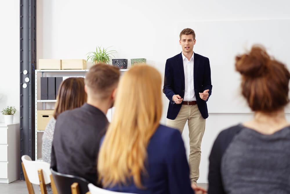 Karriereseminare Zielgruppe Themenspektrum Qualitaetskriterien Seminarleiter Gruppe