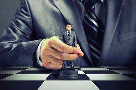 Narzisstische Chefs-Manipulator