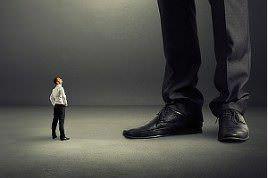 Narzisstische Chefs-Unfehlbare