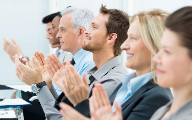 Mitarbeiter-Anerkennung-Lob-Unterschied-