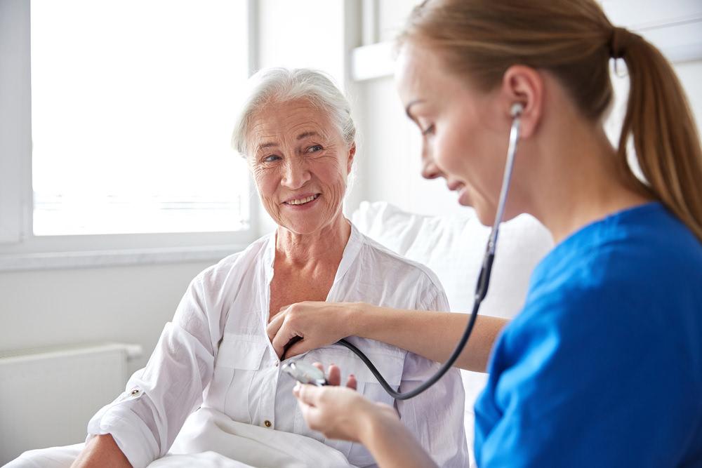 Pflegeausbildung-Pflegerin-Altenpflege