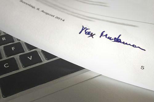 Bewerbung-Lebenslauf-unterschreiben