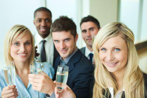 Firmenfest-Knigge-Benimmregeln