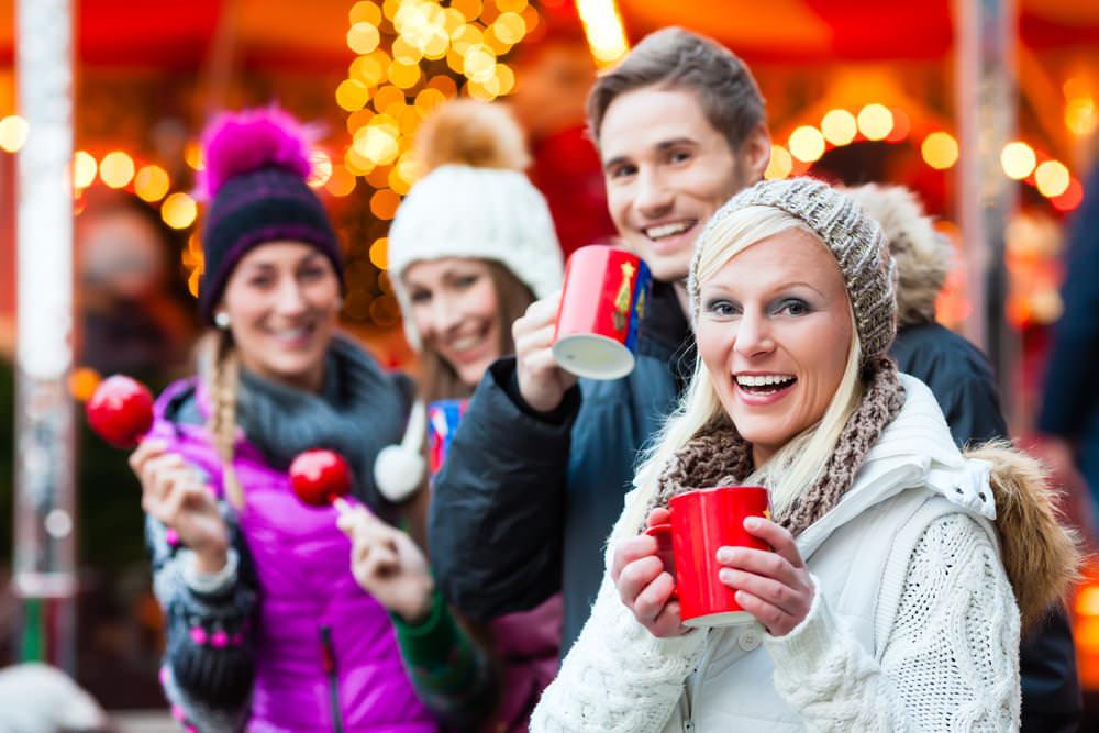 Weihnachtsmarkt mit Kollegen: Achtung Fettnäpfchen!