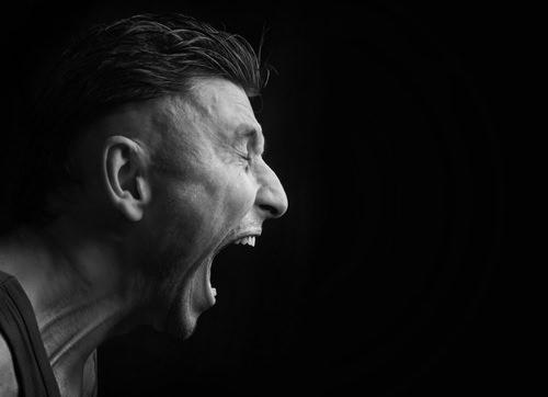 Wut im Bauch: Tipps gegen den Ärger im Job