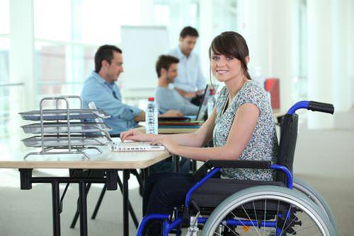 Bewerbung-Behinderung-Bewerberin