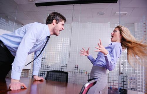 Choleriker im Büro: Definition, Therapie, Hilfe