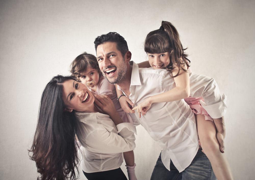 Karriereverweigerer-Familie-gluecklich-Kinder
