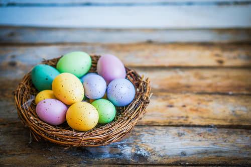 Ostern-Ostereier-Farben