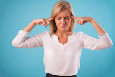 Piepsstimme: Hohe Frequenz als Karrierekiller?
