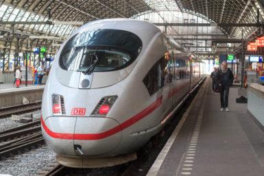Bahnstreik & Arbeitsrecht: Darf ich zu spät zur Arbeit kommen?