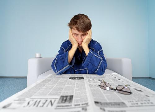 Langzeitarbeitslosigkeit-Jobsuche-Mann