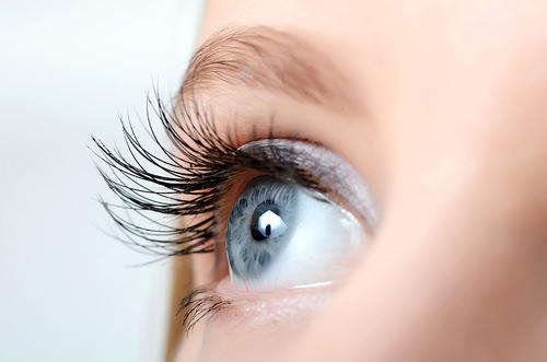 Erster-Eindruck-Blickkontakt-Auge