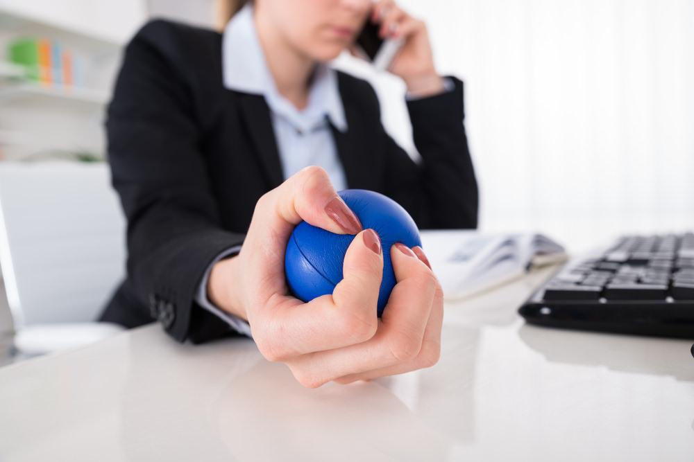 Stressball-quetschen-hilft