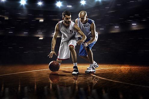 Basketball-Spieler-dribbeln-Sport-Duell