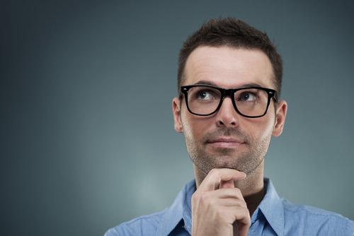 Introvertiert-nachdenklich-Mann