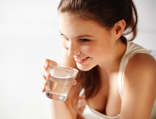 Trinktyp-Selbsttest-Wassertrinken