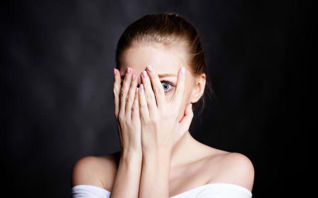 Soziale Phobie Test ueberwinden Therapie Symptome