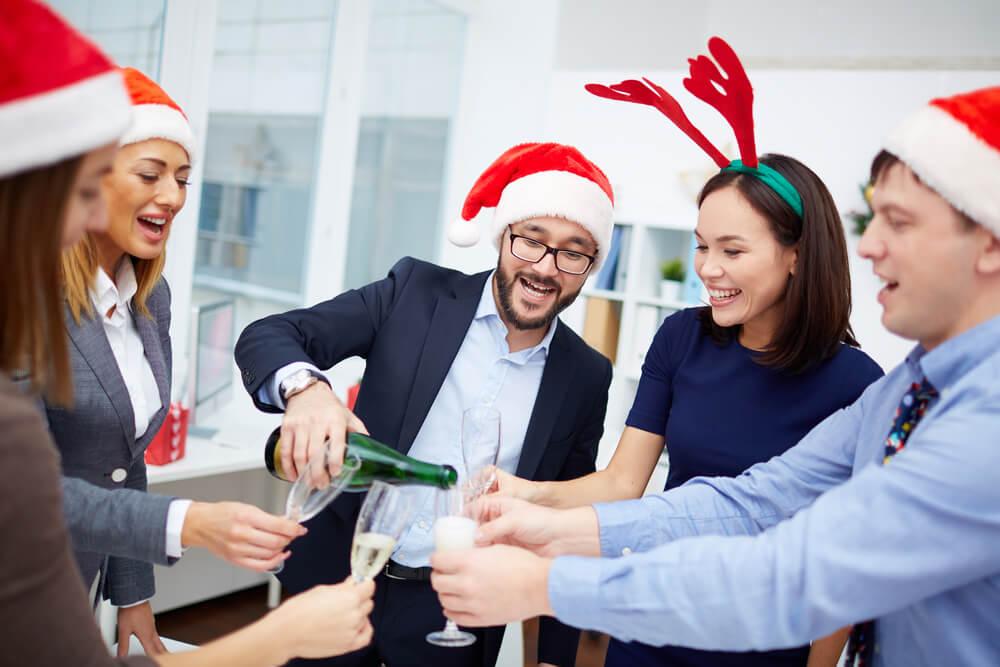 Ideen Für Die Betriebliche Weihnachtsfeier.Weihnachtsfeier Idee Knigge Tipps Fur Partys Karrierebibel De