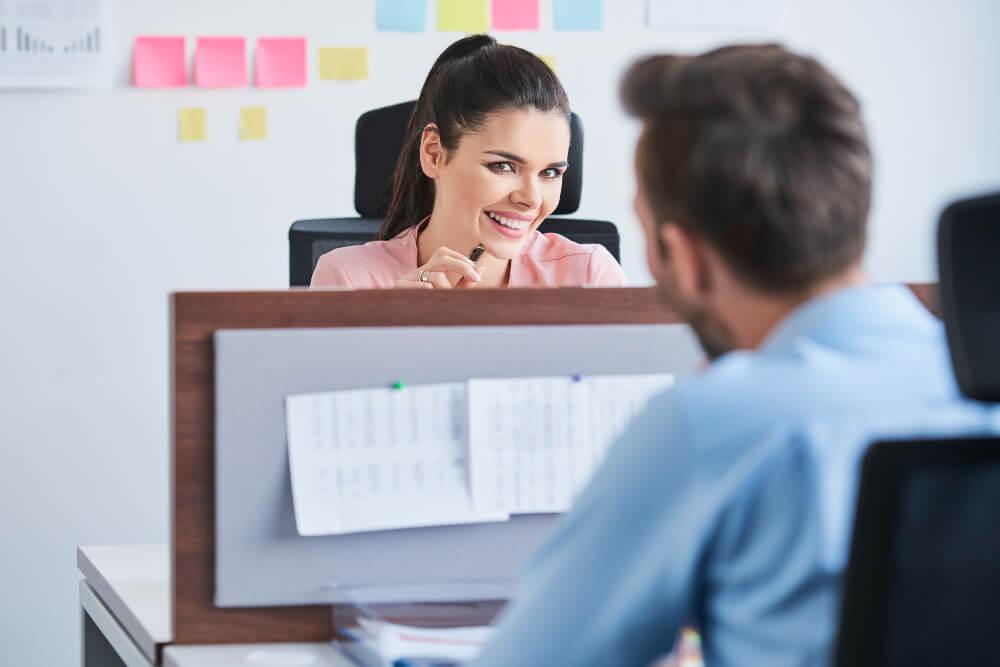 Seitensprung flirten romanze Buero Job