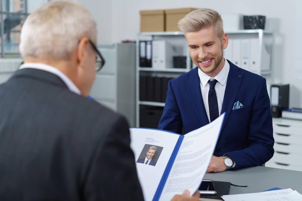 Perfekter Lebenslauf Aufbau Tipps Und Muster Karrierebibelde