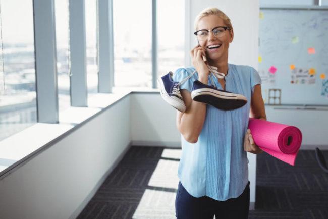 Büro-Workout: 5 Übungen und Tipps für mehr Fitness