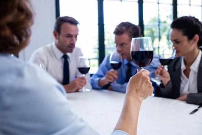 Trinken mit Kollegen: Wer, was mit wem?