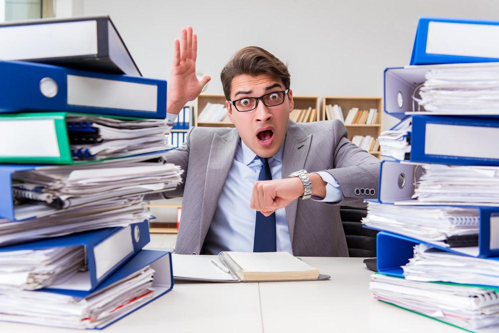 Workaholic Arbeitssucht Stress zu lange arbeiten