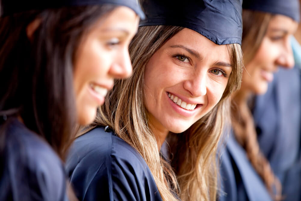 Hochschulabsolventen: Was welcher Abschluss bringt