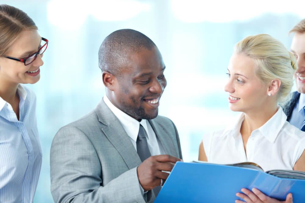 So bauen Sie eine starke Beziehung zum neuen Chef auf