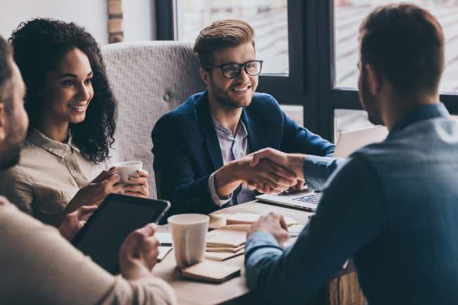Persönliche Kontakte neuer Job Netzwerk