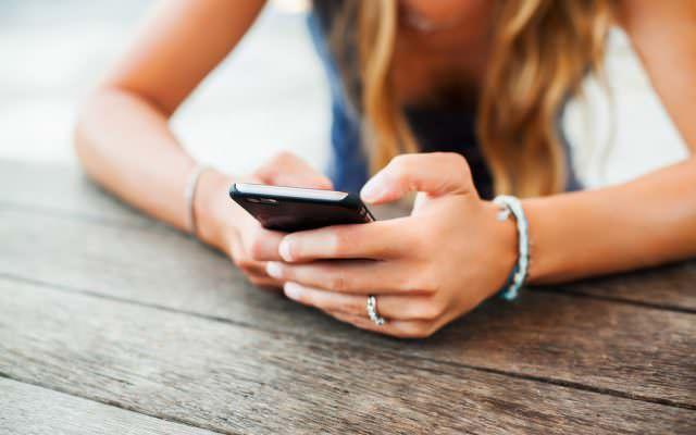 social-media-verraeter-krankfeiern-blaumachen
