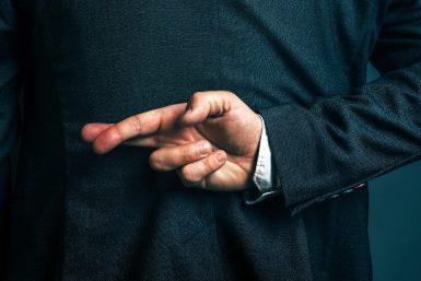 Wie Sie mit Unwahrheiten im Büro umgehen