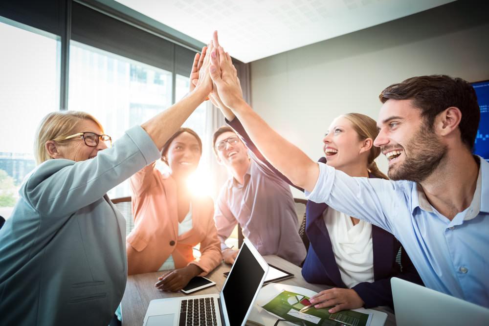 enthusiasmus-steigern-team-begeistert
