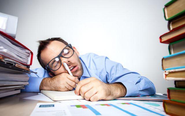 Ueberarbeitung Erschoepung Muede Ueberstunden KO Stress