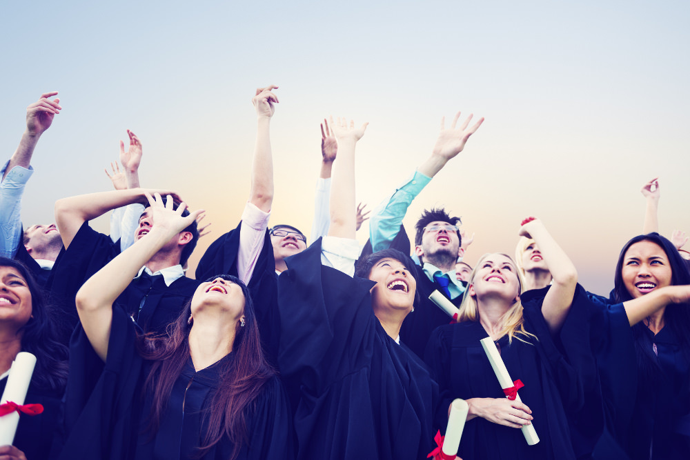 Alumni-Programm-Studenten-Abschluss