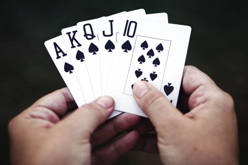 Richtig Bluffen: 10 Verhandlungstricks
