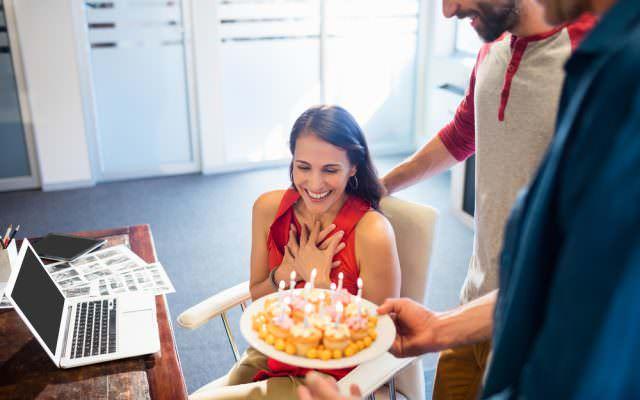 Geburtstagsfeier im Buero ausgeben kuchen rezepte
