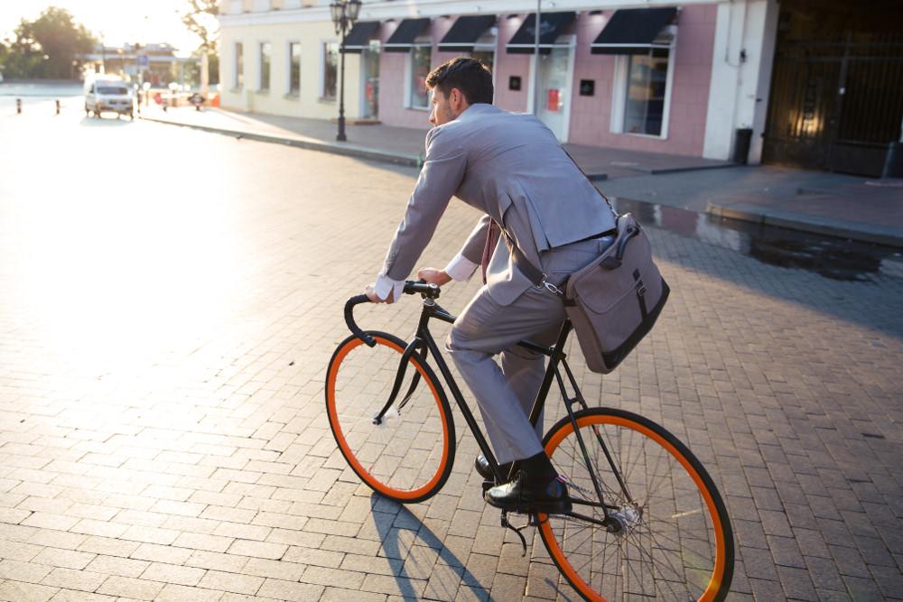 Rad-zur-Arbeit-Pendeln-Fahrrad