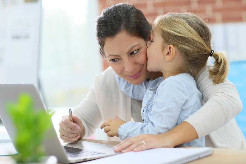 Vereinbarkeit von Familie und Beruf Massnahmen Probleme Schwierigkeiten