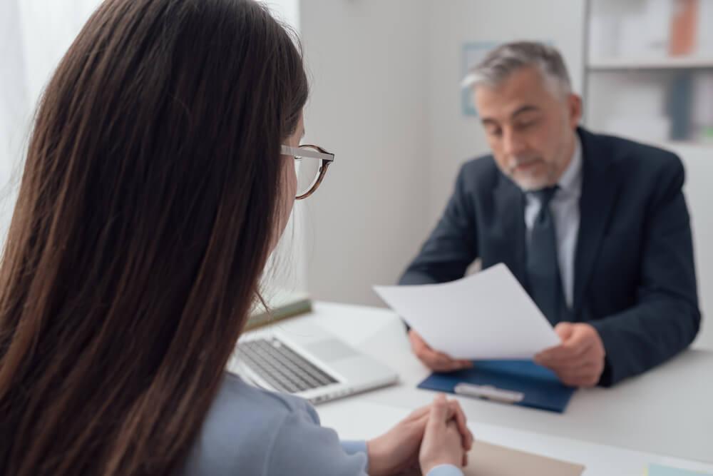 Bewerbung Schreiben Lassen Sinnvoll Oder Nicht Karrierebibelde