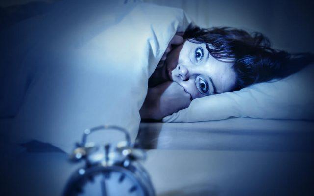 Schlafparalyse Schlaflaehmung Schlafstarre schlaflos