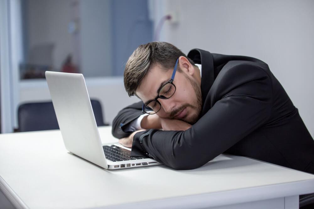 Lustlosigkeit auf der Arbeit: Was dagegen tun?
