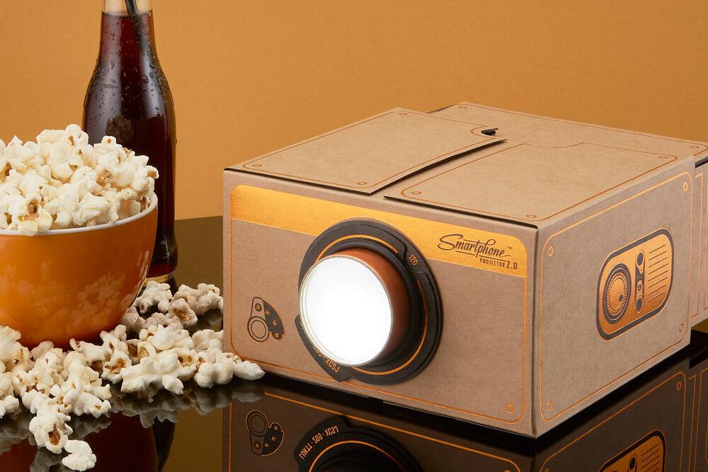 Smartphone Projektor 2.0: Zwei Mini-Kinos zu gewinnen
