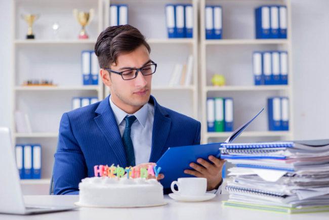 Geburtstagskarte schreiben: Tipps für Glückwünsche