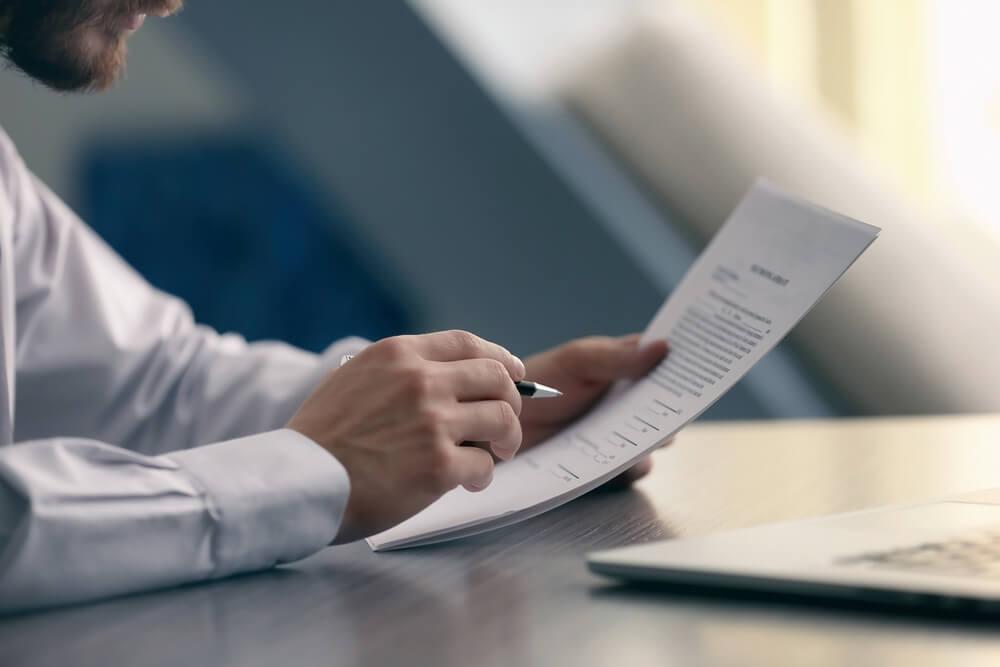 Lange Kündigungsfrist So Kommen Sie Aus Dem Vertrag Karrierebibelde